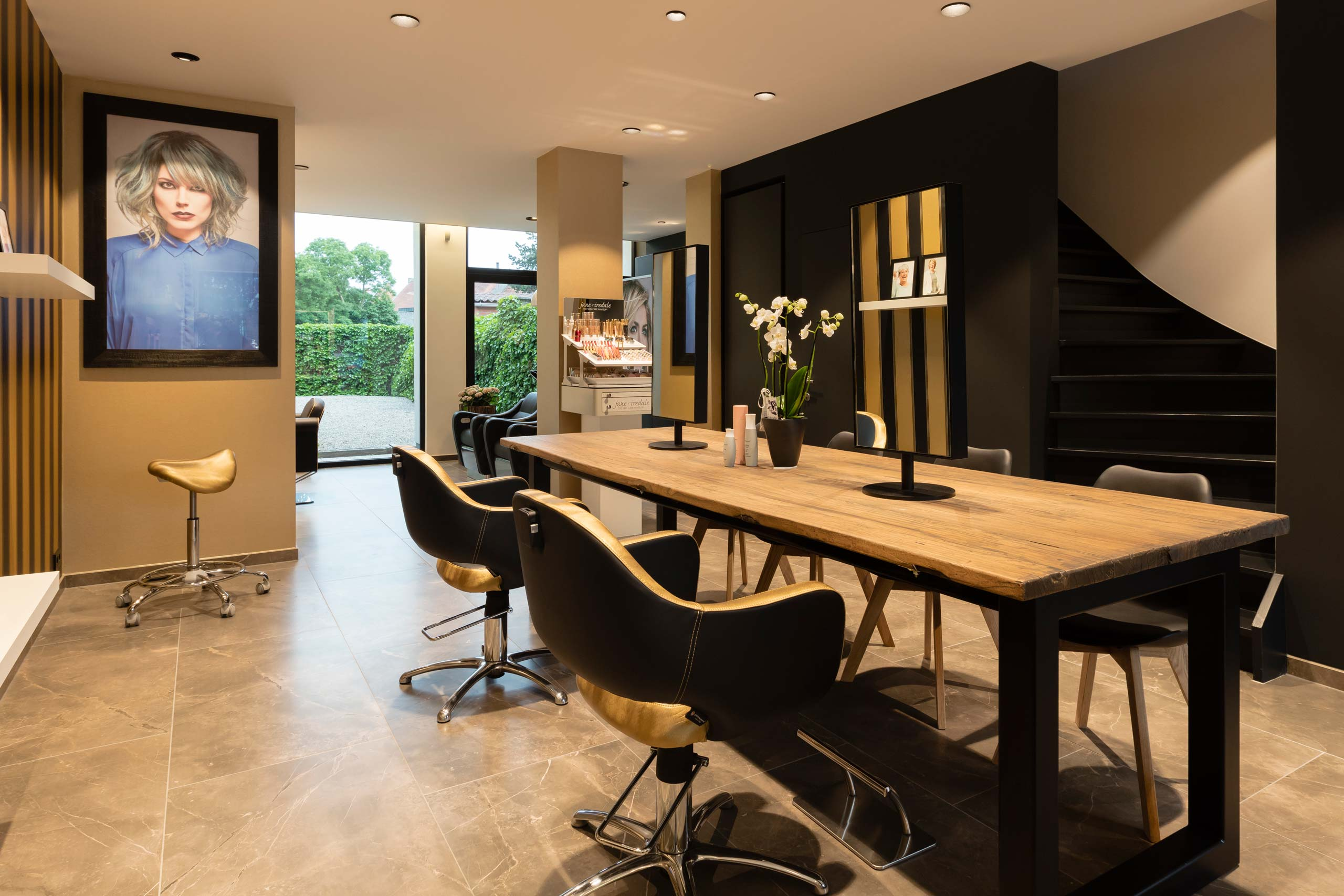Hair more by karine uvijn salon for Kappersinterieur